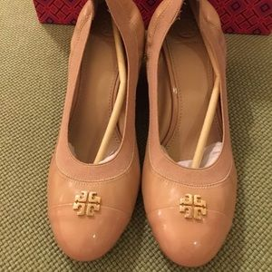 Tory Burch Shoes - Tory Burch beige Jolie wedges Sz 10 w/ box